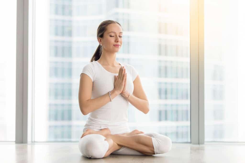 Tập yoga, thiền, ... để cải thiện sức đề kháng