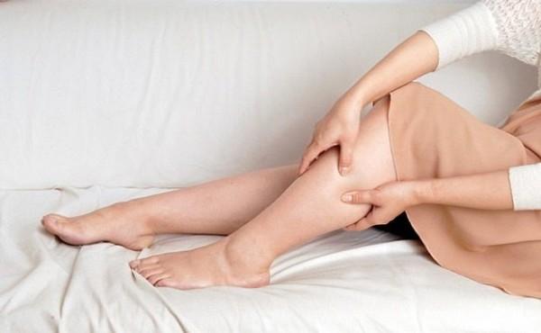 Dấu hiệu bà bầu thiếu canxi là hay bị chuột rút, đau nhức cơ bắp